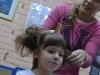 Уживамо док нам фризерке обликују фризуре...